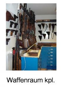 Waffenraum komplett mit Einrichtung
